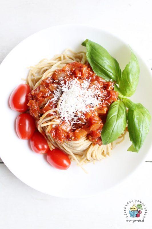 Spaghetti z pomidorów z puszki